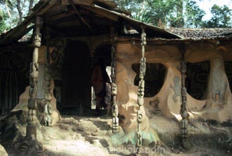 Antoa Shrine, Ghana